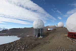 Steel structures on the South Pole